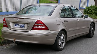 2002 Mercedes-Benz C 180 Kompressor (W 203 MY03) Elegance sedan (2015-07-09) 03.jpg