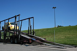 Inclined plane - Using ramps to load a car on a truck
