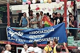 2010-07-02 Gay Pride Roma - Carro AGEDO.jpg