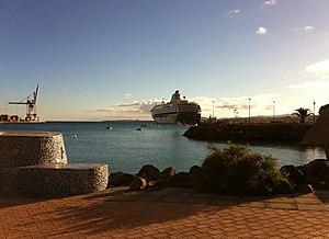 2010-12-25 Spain CanaryIslands Fuerteventura PuertoDelRosario MeinSchiff 1.JPG