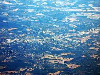 Vidalia, Georgia - Vidalia (left) and Vidalia Regional Airport (right).