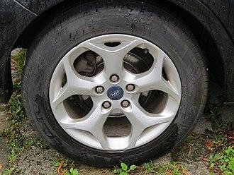 Kumho Tire - Automobile tire Kumho Ecsta HS51 205/55 R 16 (2017)