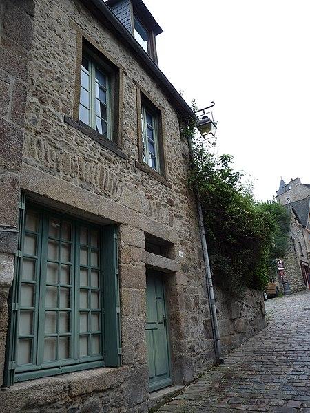 File:36 rue du Jerzual.jpg Исторические памятники Динана, достопримечательности Динана, фотографии Динана