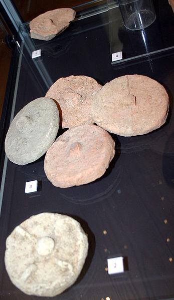 File:4084 - Milano - Antiquarium - Tappi romani di anfora - Foto Giovanni Dall'Orto - 14-July-2007 - 1.jpg