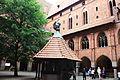 636782 Malbork brama i dziedziniec zamku wysokiego 07.JPG