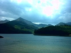 A nice view of Munnar.JPG