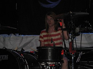 Aaron Gillespie - Gillespie performing as a part of Underoath during their 2007 winter tour