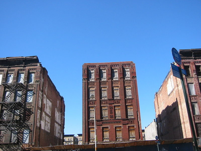 File:Abandon buildings harlem urban decay.JPG