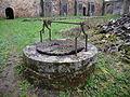 Abbaye de Clermont - puits du cloître.JPG