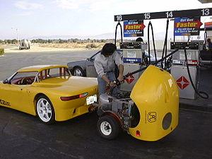 Range extender (vehicle) - Electric car with an external range-extender or genset trailer.