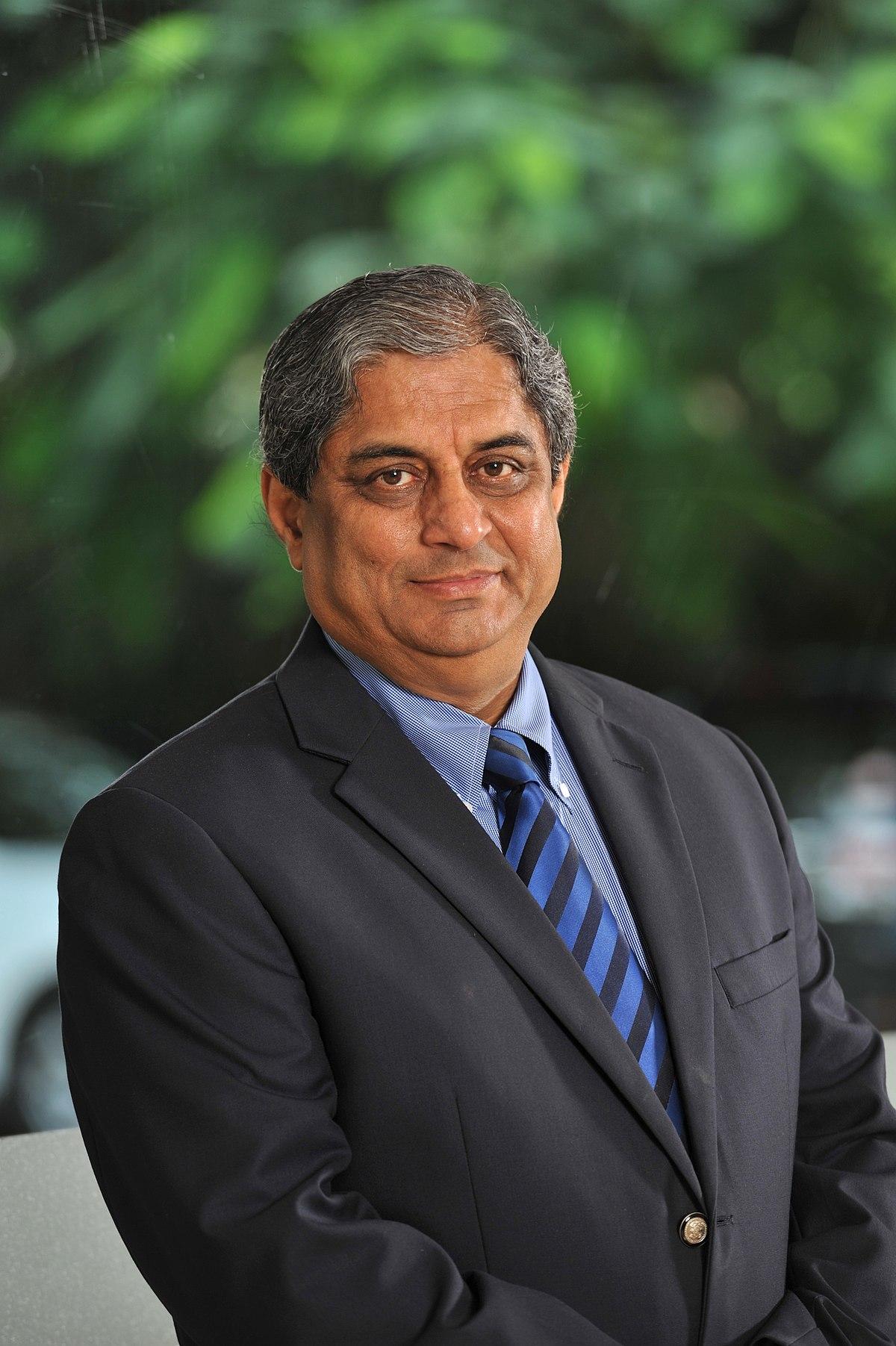 Aditya Puri - Wikipedia