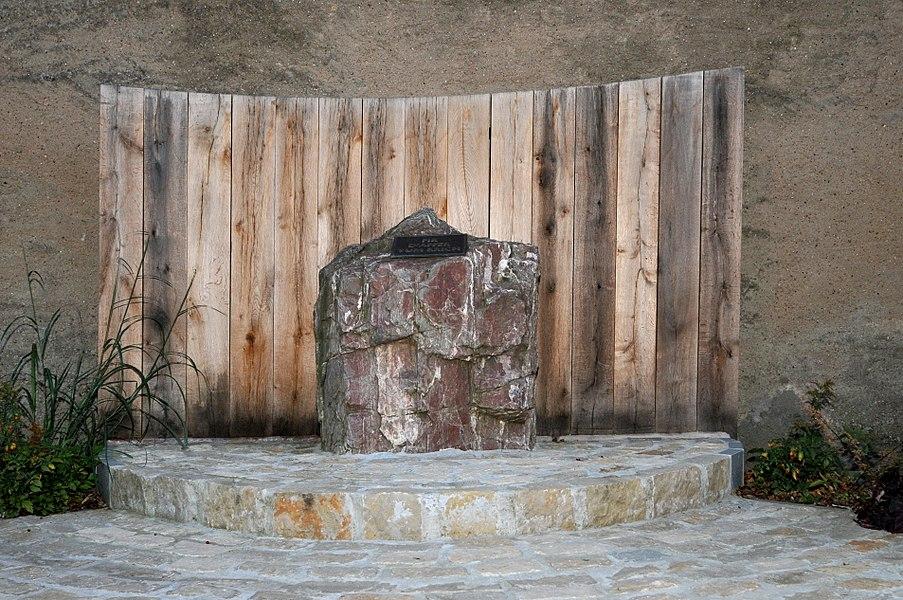 Monument 'Fir d'Affer vum Krich' zu Greiweldeng.