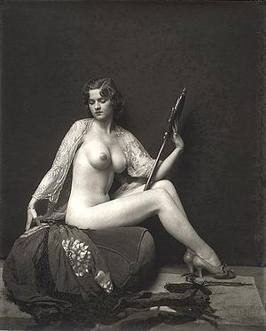 Alfred Cheney Johnston - Johnston's photo of Ziegfeld Follies showgirl Dorothy Flood.