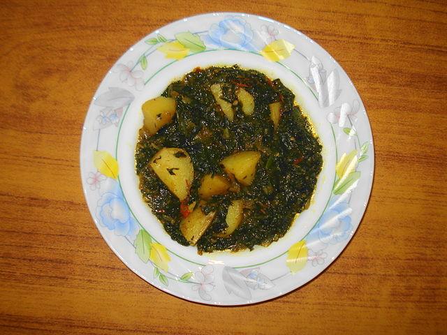 Cuisine of Karachi: Aloo Palak (Spinach with Potatoes) آلو پالک