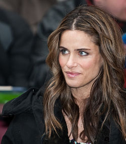 Amanda peet hot photos