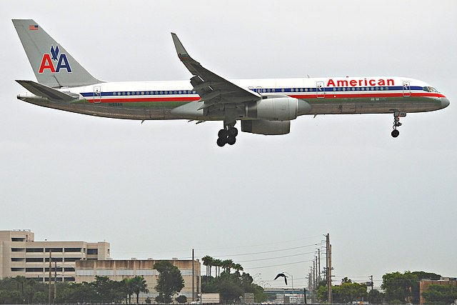 File American Airlines Boeing 757 223 N195an Mia 17 10