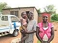 Amoos en zijn familie (6521990363).jpg
