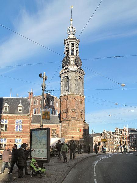 File:Amsterdam, de Munttoren RM3729 foto1 2014-01-12 11.43.jpg