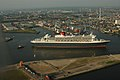 Ankunft der Queen Mary 2 in Hamburg - panoramio - Arnold Schott (4).jpg