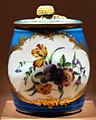 Antoine toussaint cornailles per manifattura di porcellana di vecennes, contenitore per mostarda con coperchio, 1755-56.jpg