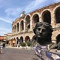 Arena di Verona con particolare di una scenografia.jpg