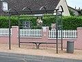 Arrêt de bus Normandie (C-Arloing) 2014-06-11.JPG