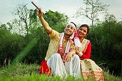 Assamees paar in traditionele kleding.jpg