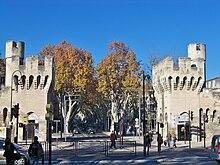 Porte de la République - достопримечательности Авиньона, что посмотреть в Авиньоне, достопримечательности Прованса