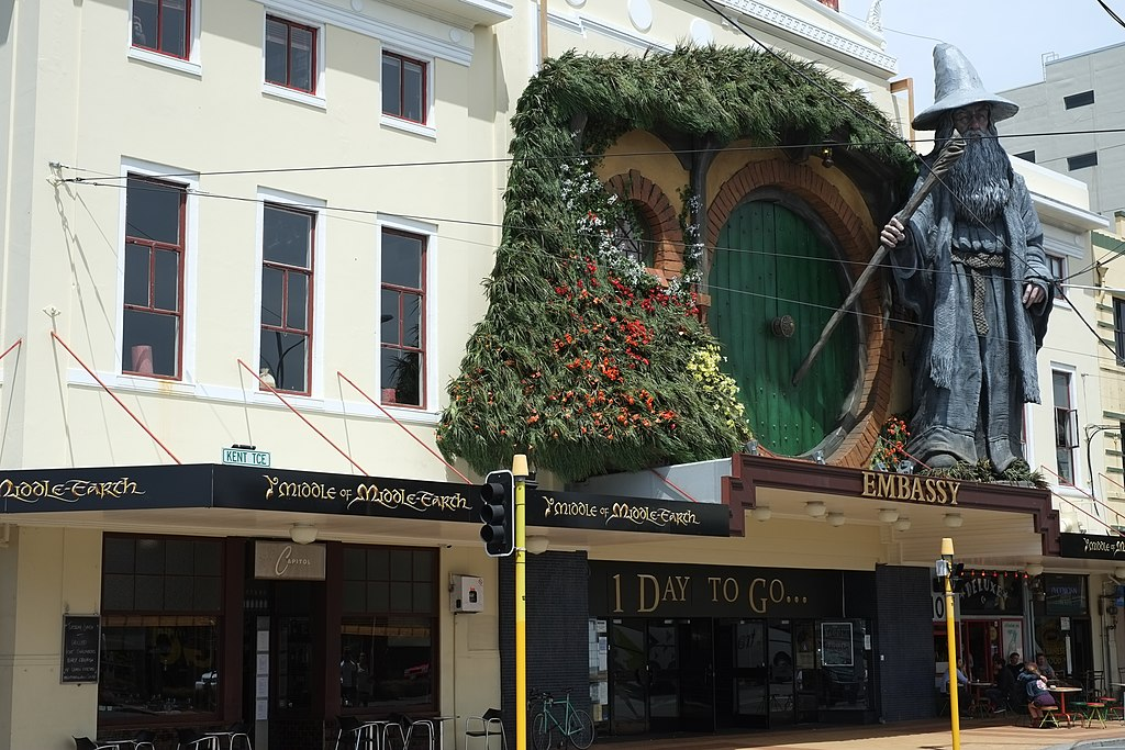 Bagend and Gandalf sculpture on top of The Embassy Theatre, Wellington one day before The Hobbit world premiere
