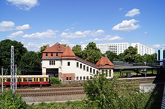 Berlin-Pankow-Heinersdorf station - Image: Bahnhof Pankow Heinersdorf 01279