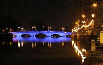 Bedford - Image: Bedford Town Bridge Night Jan 2007