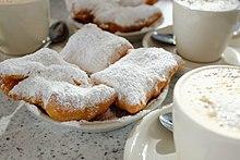 Cafe du Mond, pastries & cafe au lait