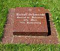 Berlin, Mitte, Invalidenfriedhof, Feld B, Grab Rudolf Schmundt, Restitutionsstein.jpg