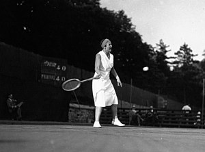 Betty Nuthall - Betty Nuthall in 1932