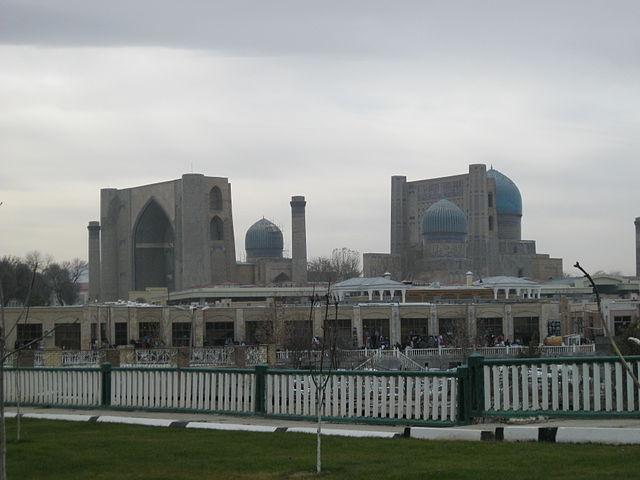 Соборная мечеть Тимура, названная в честь его любимой жены Сарай-мульк ханым