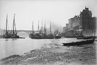 Legal Quays - Ships moored off the Legal Quays around Billingsgate Wharf in 1886