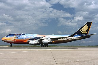 Singapore Airlines Flight 006 - 9V-SPK, the aircraft involved in the accident, in May 2000.