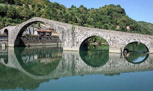 Ponte della Maddalena, also called Ponte del Diavolo, Borgo a Mozzano, Tuscany, Italy.