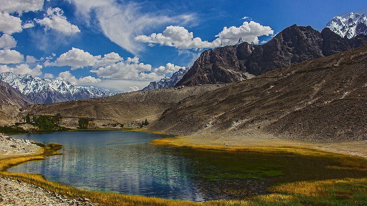 File:Borith lake,Hunza,Gilgit Baltistan,Pakistan.jpg ...
