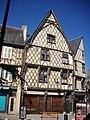 Bourges - 92 rue Mirebeau (1).jpg
