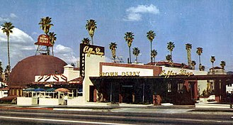 Brown Derby - The Wilshire Boulevard Brown Derby in 1952