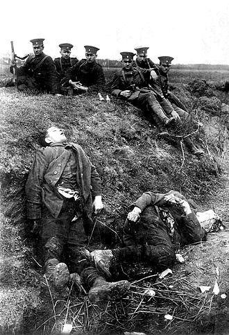 Ruhr uprising - Members of the Reichswehr and shot members of the Red Ruhr Army, 2 April 1920, Möllen near Duisburg