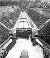 COLLECTIE TROPENMUSEUM 'Bandjar Tjahjana werken hoofdkanaal tussen 1e tunnel en Merawoe-syphon Bali TMnr 10007881.jpg
