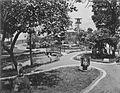 COLLECTIE TROPENMUSEUM Tuin in de kraton van prins Mangkoe Negara Surakarta TMnr 60027169.jpg