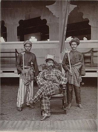 Muhammad of Negeri Sembilan - Tuanku Muhammad Shah (seated) with his bodyguards, 1903.