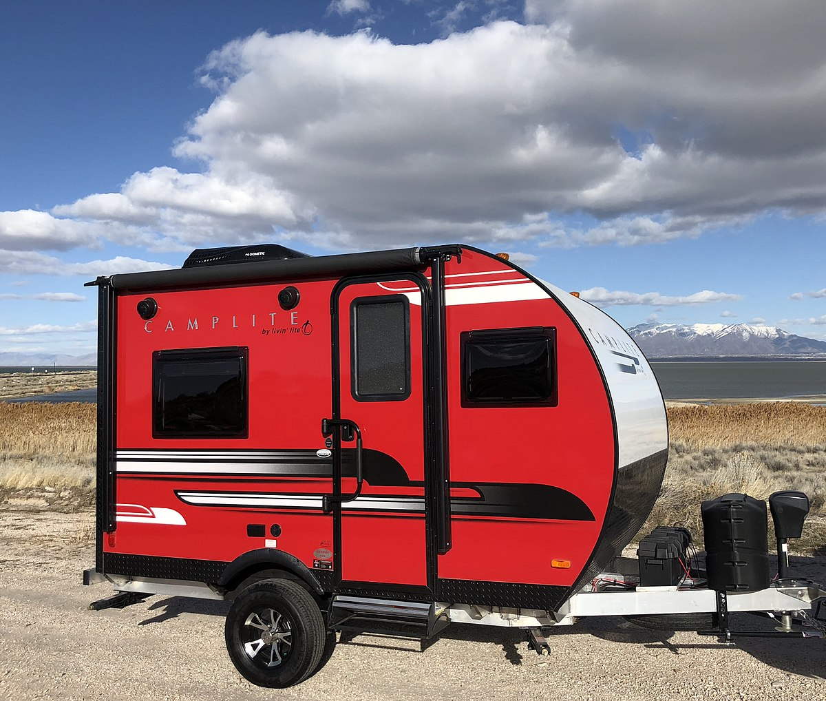 Travel Trailers With Outdoor Kitchens: Livin Lite Quicksilver Toy Hauler Fifth Wheel