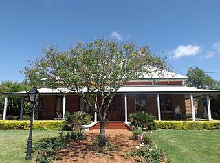 Carlton House, Toowoomba