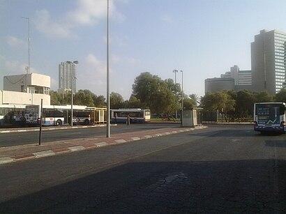 איך מגיעים באמצעות תחבורה ציבורית אל מסוף כרמלית? - מידע על המקום