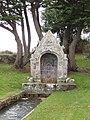 Carnac - Fontaine Saint-Colomban.jpg