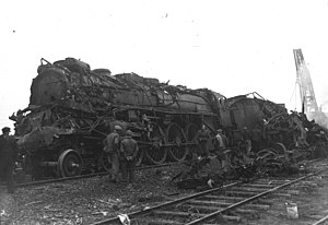 Lagny-Pomponne rail accident - The locomotive after the accident